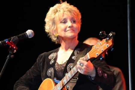 WE HAVE TICKETS AT THE DOOR FOR An intimate evening with Lacy J Dalton – Country's Queen – Christmas show – with Dale Poune