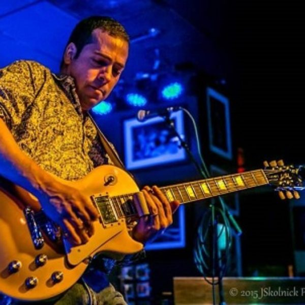Albert Castiglia – fiery blues roots