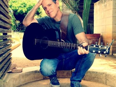 David Wilcox – brilliant guitar and stirring vocals by a master folk songwriter